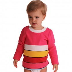 Niño con Camiseta de interior rosa de rayas